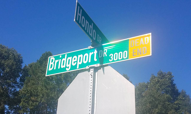 Bridgeport location signs
