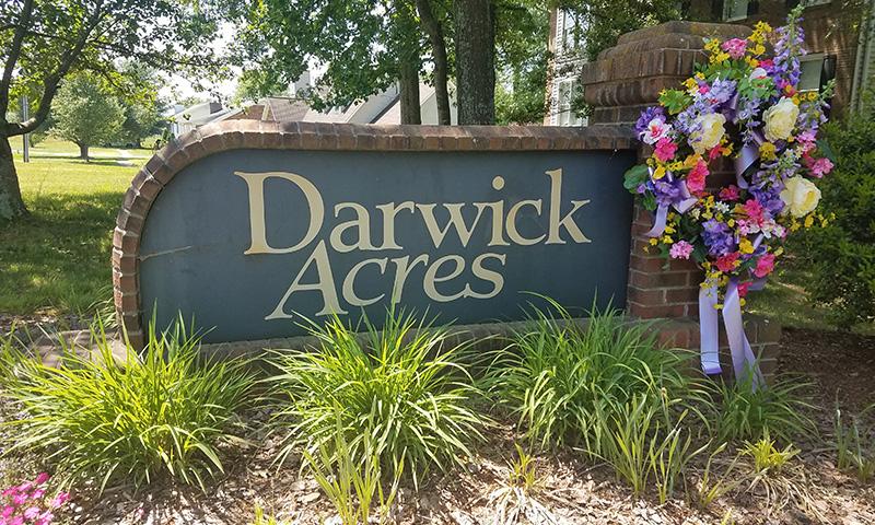 Hubbard-Commercial_Darwick-Acres_Entrance_19-06