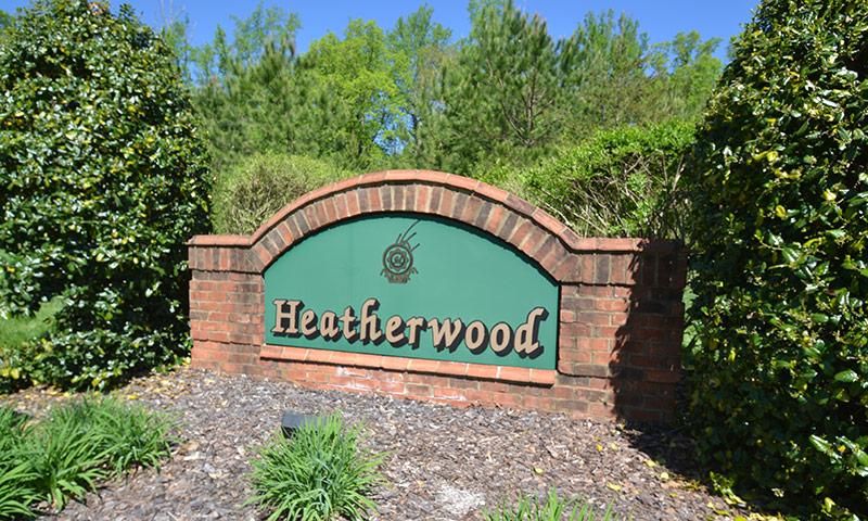 Hubbard-Commercial_Meadowlands-Heatherwood_0501_Entrance_19-04
