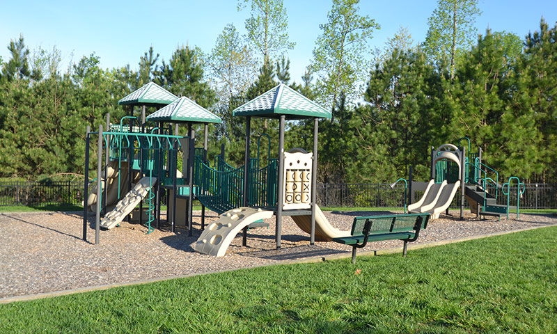 Hubbard-Commercial_Meadowlands_0396_Playground2_19-04