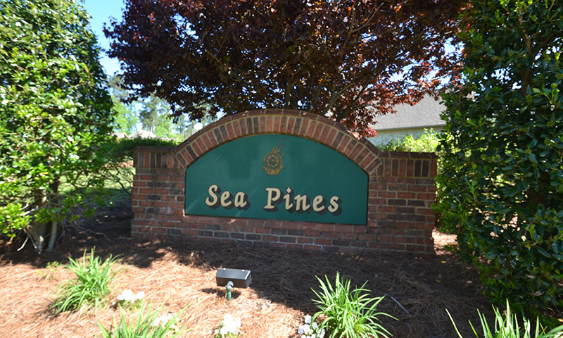 Hubbard-Commercial_Meadowlands-Sea-Pines_0483_Entrance_19-04